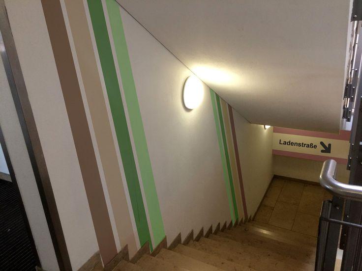 Inspirational Pr sentation der Gestaltungsarbeiten im Treppenhaus hier Regensburg Arcaden Bei diesem Projekt bernahmen wir die Planung Digitalisierung und