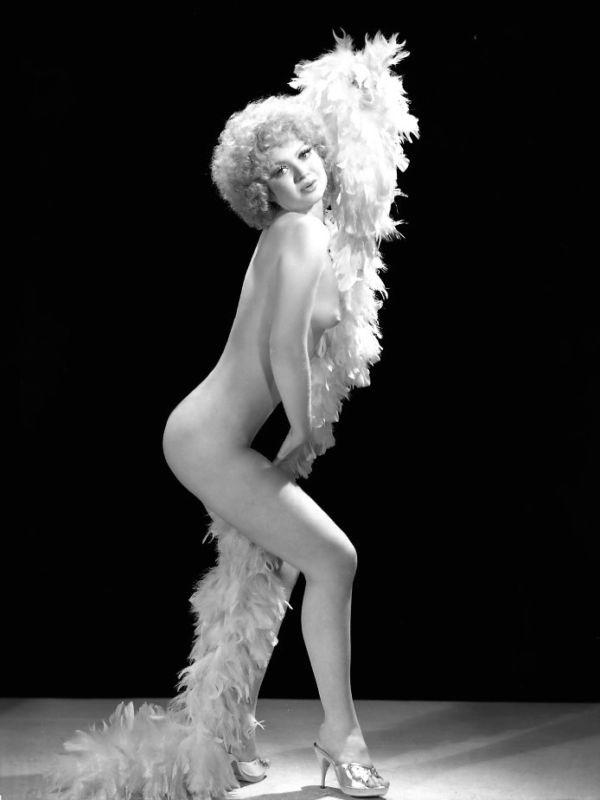 Message vintage burlesque woman apologise, but