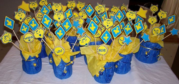 I made these centerpieces for our blue and gold banquet