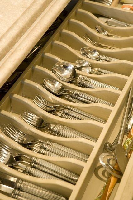 Kitchen Organization love this silverware drawer