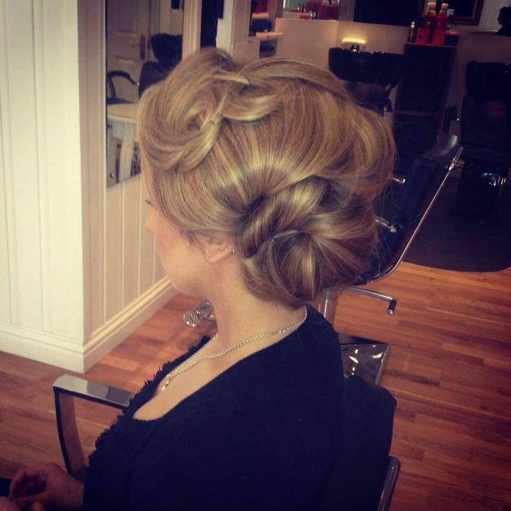 1920s inspired hair up vintage