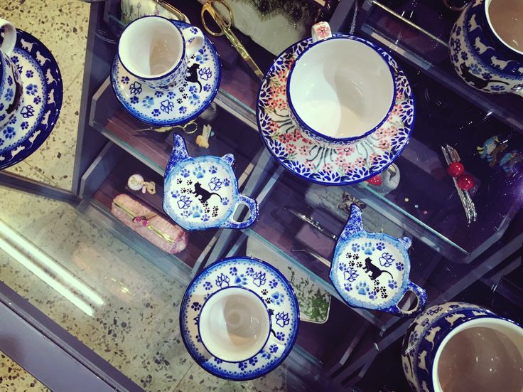 We Stock   Bunzlau Castle   Polish Ceramics   Tableware   In Store Display