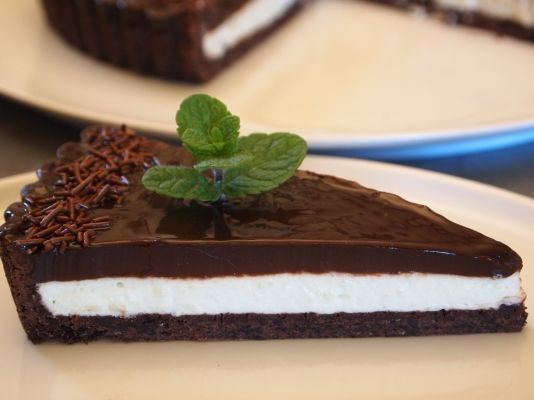 Moroccan mint mousse with cocoa pastry and glaze, oh <3