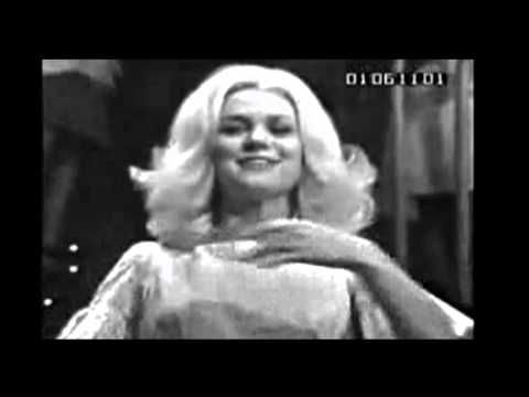 """▶ JACKIE DeSHANNON ~ """"WHAT THE WORLD NEEDS NOW IS LOVE"""" HQ STEREO 1965 - YouTube"""