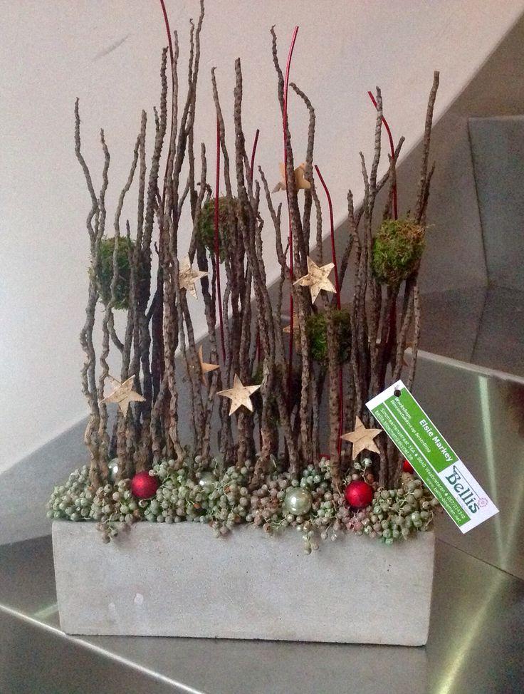 Decoratief eindejaarsstuk voor op toonbank winkel.