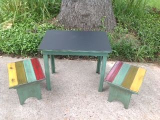 Here is another version of our kid's chalk table with benches!