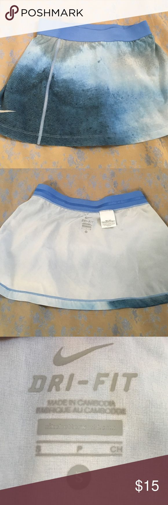 Nike tennis skirt Like new Nike Skirts