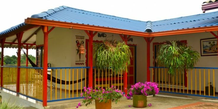 Finca Hotel LA MANUELA se encuentra ubicada en el Quindío,  el cual pertenece a la región cafetera de Colombia y esta muy cerca a los Parques Temáticos de este departamento.