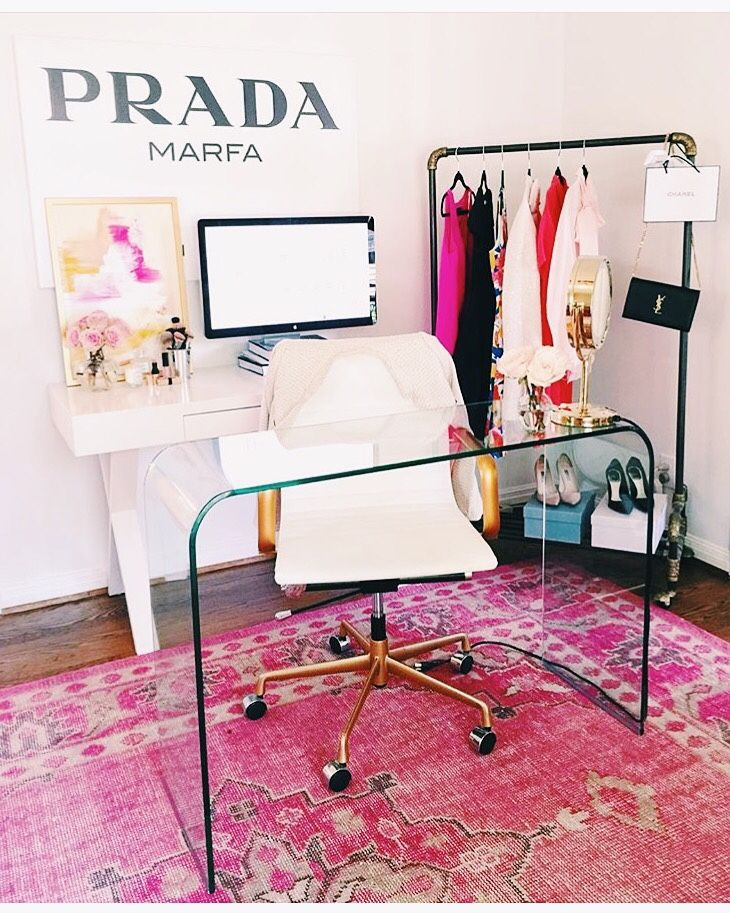 Best 25+ Clear Desk Ideas On Pinterest | Glass Desk, Study Furniture  Inspiration And Glass Office Desk