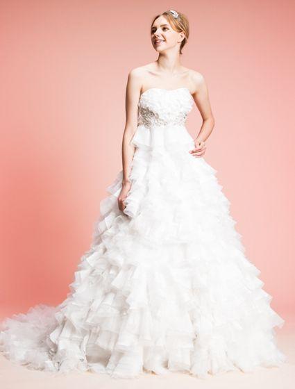 ウエディングドレス、高品質な結婚式ドレスならW by Watabe Wedding / ジャガード・レース・オーバルウェディングドレス