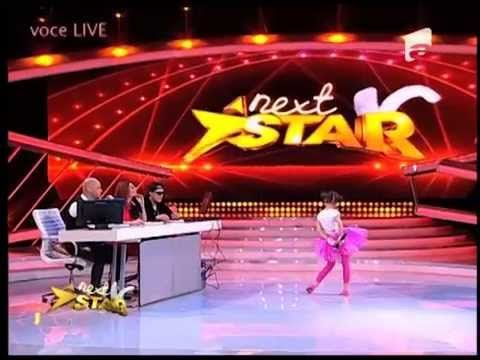 Carina Mihaila isi demonstreaza talentul de actrita in fata unui juriu i...
