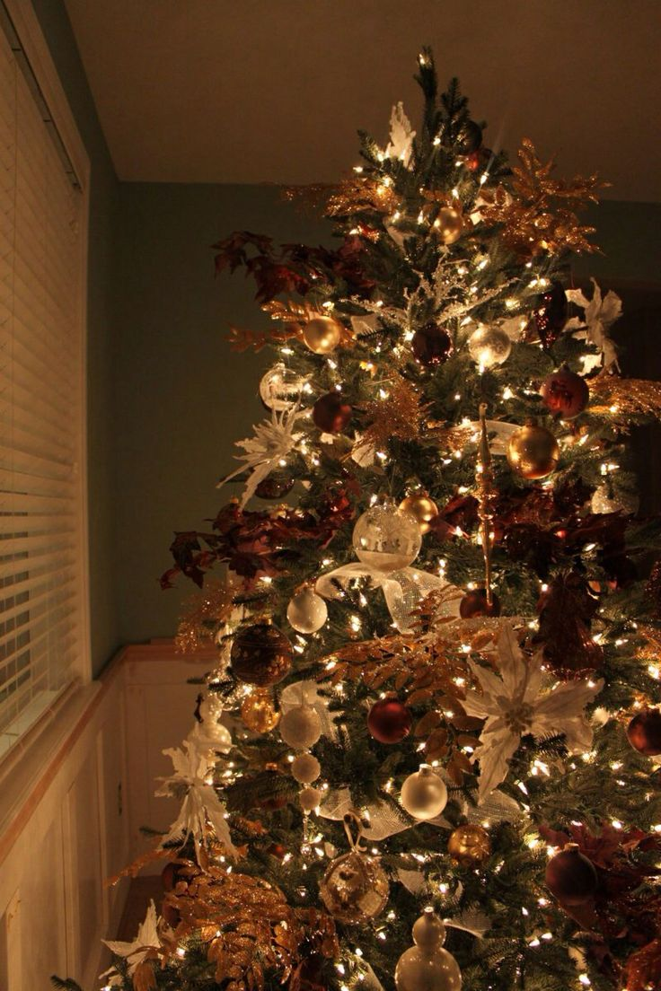 17 best images about brown and gold christmas decorations Brown and gold christmas tree