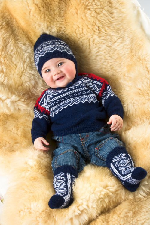 So adorable! Knittings with the Marius pattern. Almost every little child has a sweater of this type.