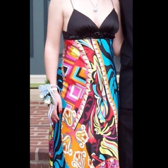 Faviana Couture multicolored prom gown What a retro-throw back gown! Such a cool design, and perfect for proms, formals, or evening weddings! Plus, it would look great with a small shaw or shoulder wrap! Open to offers. Faviana Dresses Prom