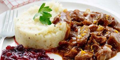 Tip: Je kunt jong everzwijn ook braden en opdienen met kastanjepuree en pepersaus, of met een saus met rode wijn, specerijen of cognac.