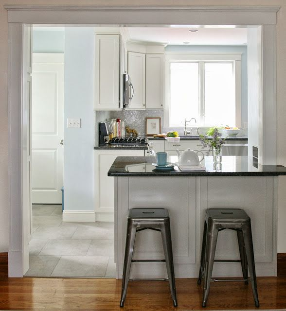 Before And After Of This Beautiful Open Concept Kitchen: Cased Opening With Peninsula// Arlington Kitchen