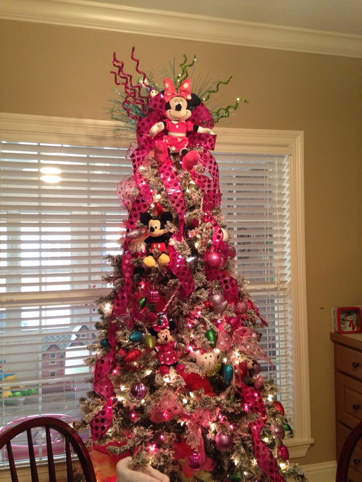 330 best images about christmas trees on pinterest for Decoration noel mickey