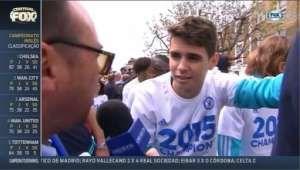 Fàbregas zomba de entrevista de Oscar: 'Três anos aqui e você não fala inglês' - Fox Sports Brasil