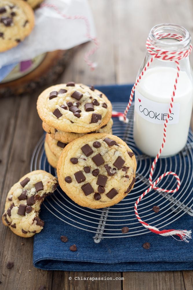Cookies americani al cioccolato ricetta originale. Soft and Chewy Chocolate Chip Cookies