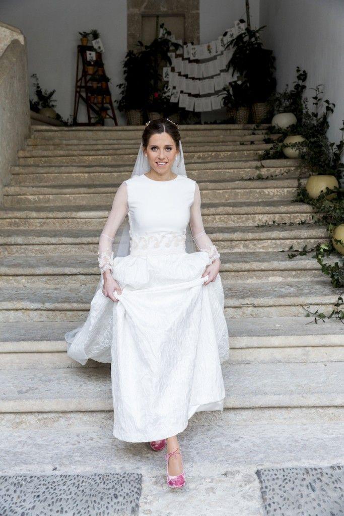 un vestido de novia en brocado de seda con bordados en 3d | vestidos