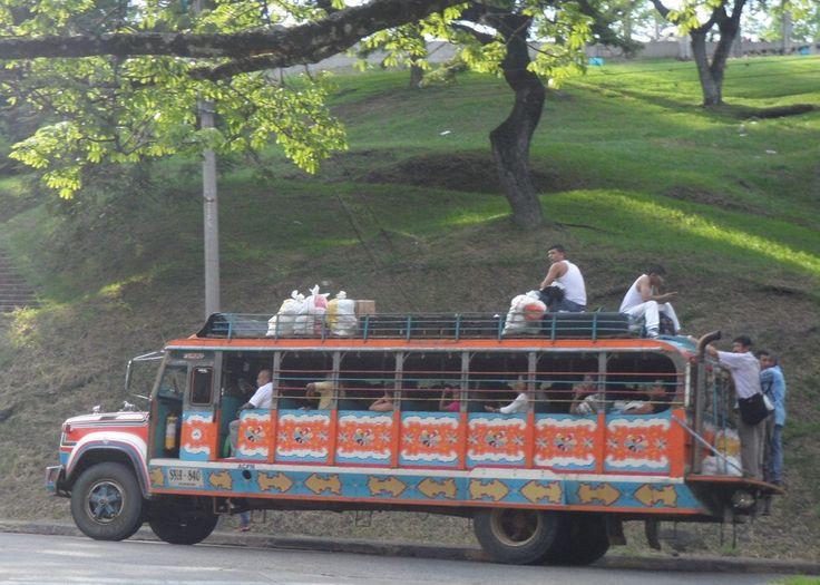 "SANTIAGO DE CALI, COLOMBIA - Chiva bus/ САНТЬЯГО-ДЕ-КАЛИ, КОЛУМБИЯ - автобус ""Чива"""