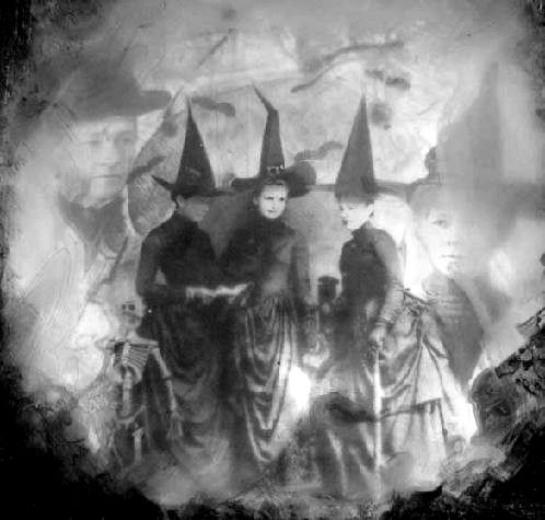 Three witches are gathered around the fire.... ^^