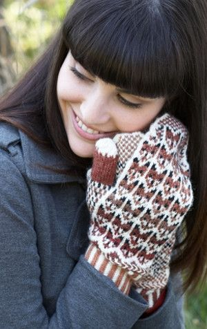 Fox in the Snow Mittens | AllFreeKnitting.com