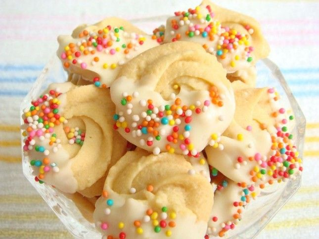 How fun are these sprinkled spritz cookies?