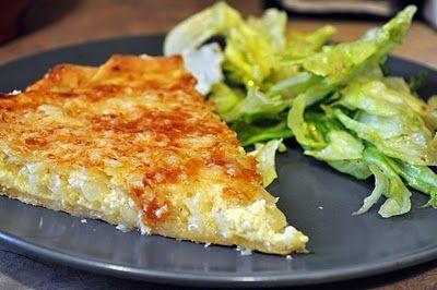 Η τέλεια κρεμμυδόπιτα με πατάτες και τυριά σε βάση σφολιάτας. Μια πολύ εύκολη συνταγή για μια πίτα που δενσυναντιέταιεύκολασταοικιακά μενού αλλά είναι