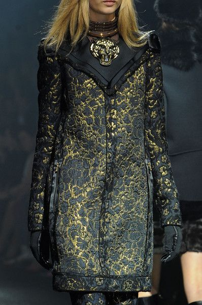 birdcagewalk:    Lanvin at Paris Fashion Week Fall 2012