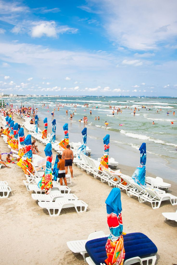 The best beach for relaxing and lot of fun, Mamaia. Plaja perfectă pentru relaxare si multa distractie, Mamaia. www.haisitu.ro