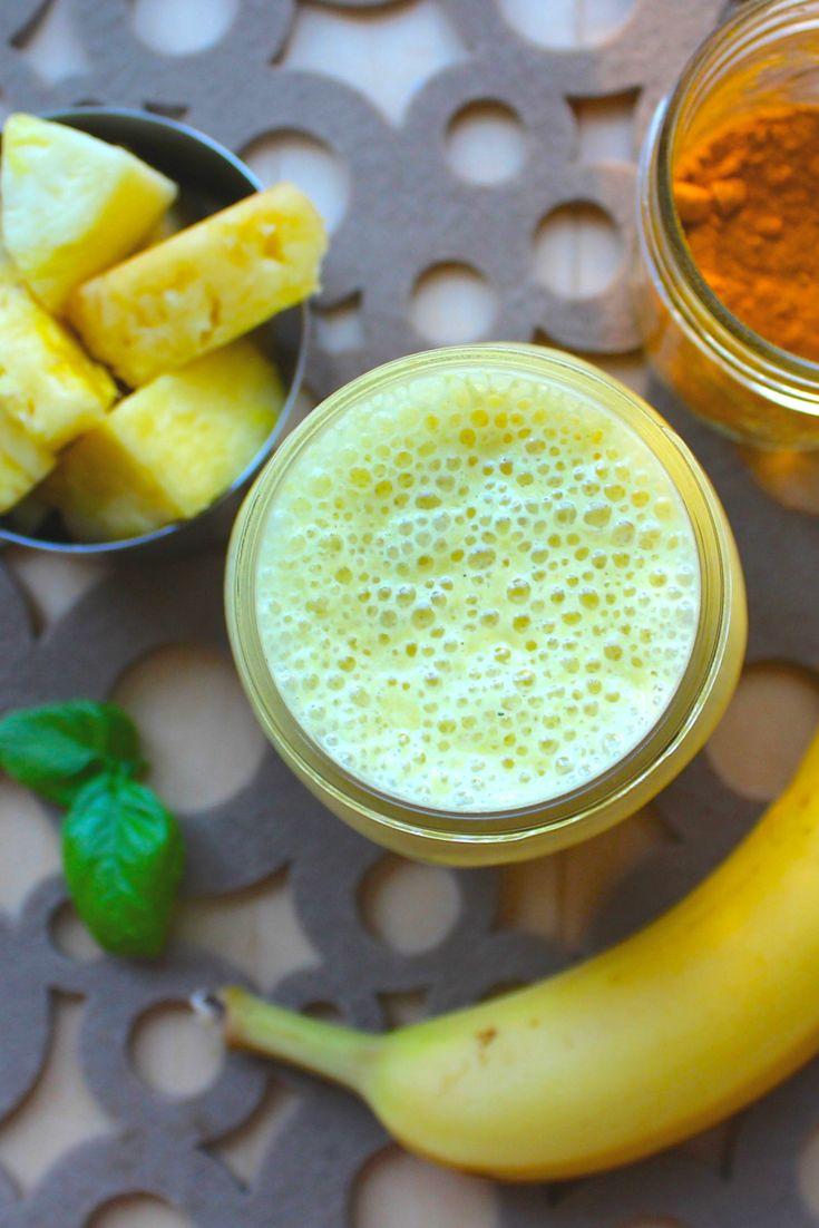 Kurkuma Ananas & Banane Smoothie mit Basilikum; anti-entzündlich und vegan