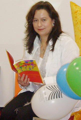 """KREIS STEINFURT Im August 2009 wurde das Buch """"Kinder(reim)geschichten"""" von Anja Stroot vorgestellt, jetzt legte sie dazu auch ein Arbeitsheft für Grundschulen vor. Redakteur Peter Umlauf sprach mit der Autorin aus Hörstel-Riesenbeck."""