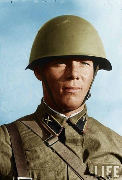 Image result for colour photo ww2 russian soldier