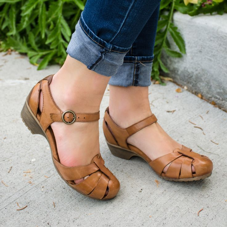"""Breaking away from """"ugly"""" sister missionary shoes! Yay! A blog with cute and useful info!"""