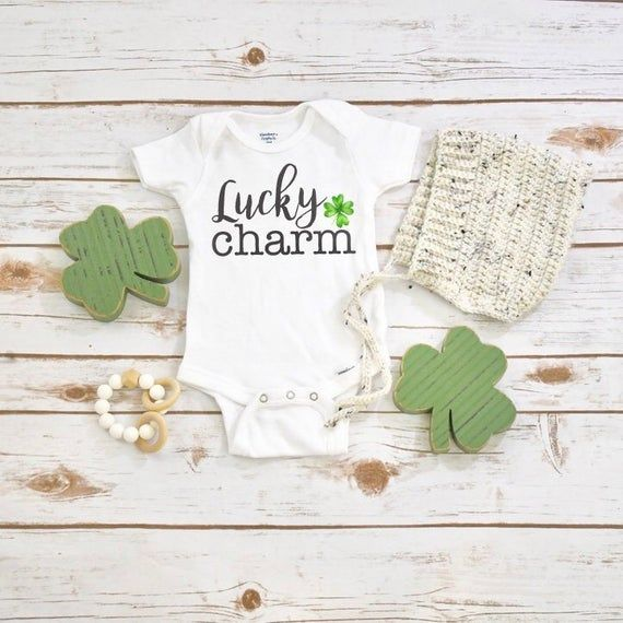 My First St Patricks Day Outfit Bib Babys gift Lucky clover st paddys T-shirt