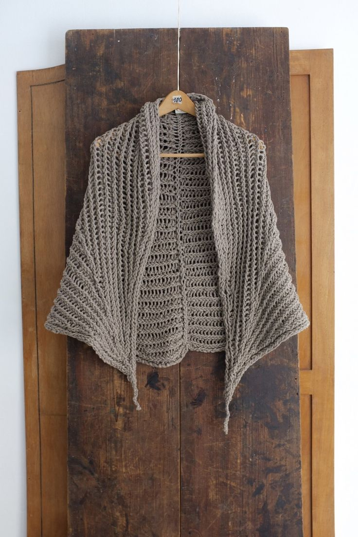 SCARF#11 - NATURAL GREY YAK by Jan-Jan Van Essche from PROJECT#4 - EACH ONE TEACH ONE (AW 16/17) Color: natural (undyed) grey Composition: 100% yak...