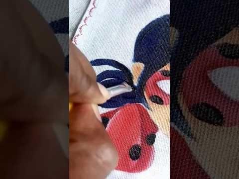 Como pintei o cabelo da Ladybug Miraculous em tecido. - YouTube  Cabelo azul marinho, preto e branco. Roupa vermelho escarlate, vinho, branco e preto