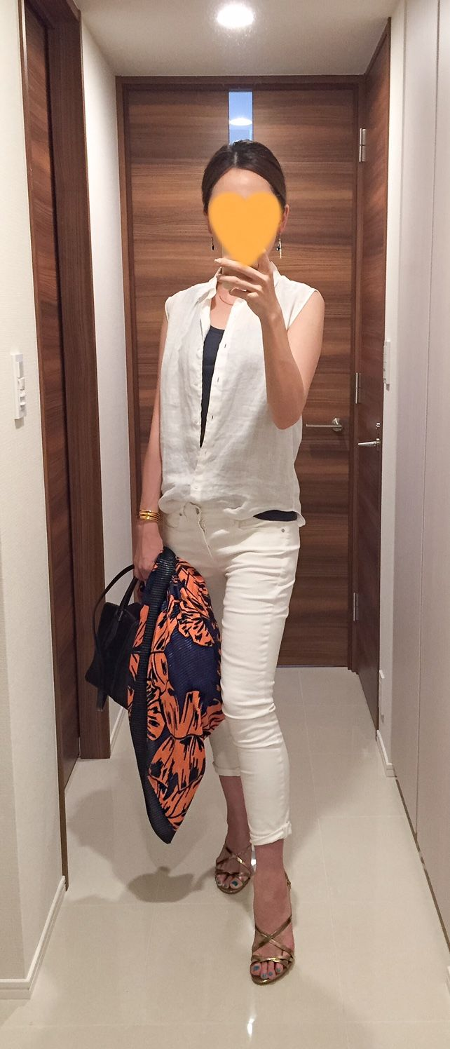 White shirt: Uniqlo, Grey tank: GAP, White denim: GAP, Scarf: ZARA, Bag: Tod's, Gold sandals: Sergio Rossi