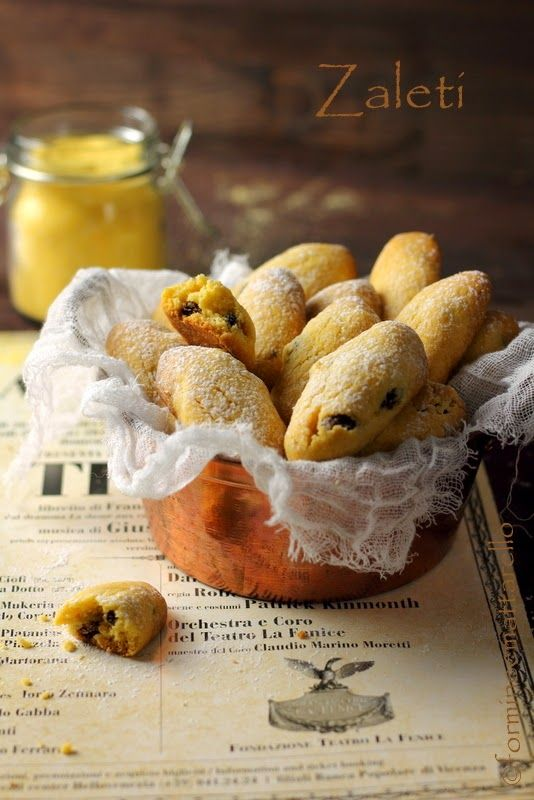 ZALETI (Veneto) - Venetian biscuits whose yellow colour comes from the corn flour used to prepare them #food #sweets