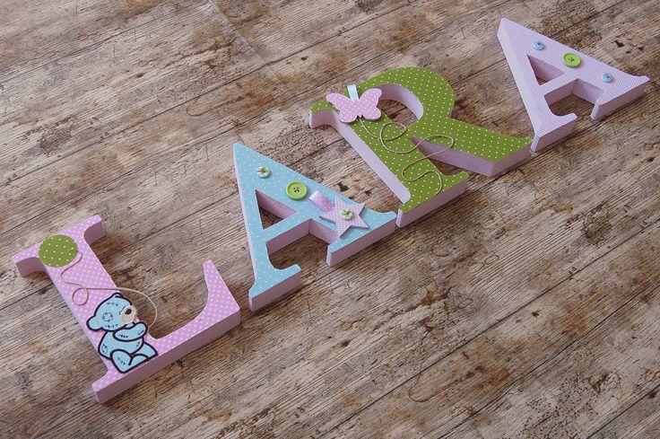 LARA egyedileg díszített polisztirol habbetűk igény szerinti színvilággal és egyéni/egyedi stílusban rendelhetők. A betűk 19cm magasak és a 3cm szélesek. #### name, letters handmade purple, lavender , baby, gift ,név, betűk, kézzel készült, lila, levendula, bébi, ajándék..., name, letters, handmade, rose,blue,green,teddy, vintage, baby, gift LARA, betűk, kézzel készült, pink, vintage, baba, ajándék, mackó.