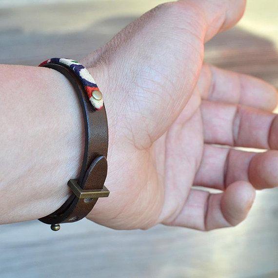 Leather bracelet. Japanese jewelry. Men. Gift. Brown. Mens. Zen. Womens. Kimono. Wristband. Minimalist. Japanese clothing. Made in Japan