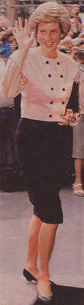 shutterbug new outfit?: Princess Diana