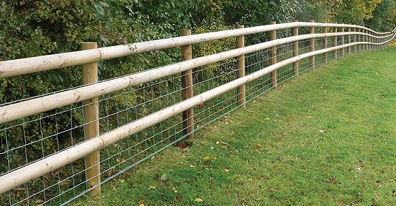 Half round post and rail with mesh