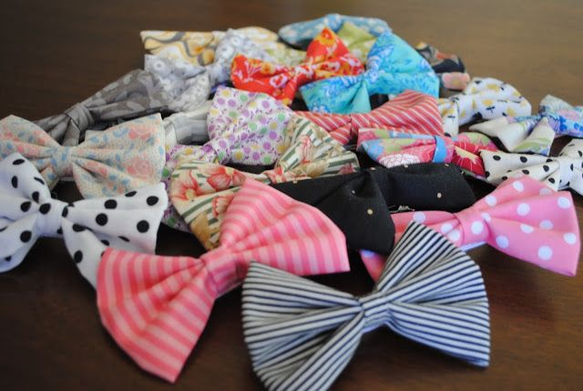 I started making bows for Penelope, once I discovered how expensive it is, to buy a new bow for every outfit. I got a little carried away ...