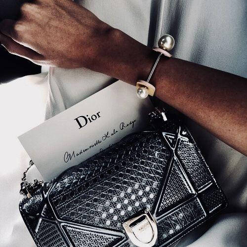 Du liebst stylische und elegante Handtaschen? nybb.de – Der Nr. 1 Online-Shop für Damen Accessoires! Bei uns gibt es preiswerte und elegante Accessoires. Wir wissen was Frau braucht! #mode #fashion #tasche #taschen #handtaschen – alina angus