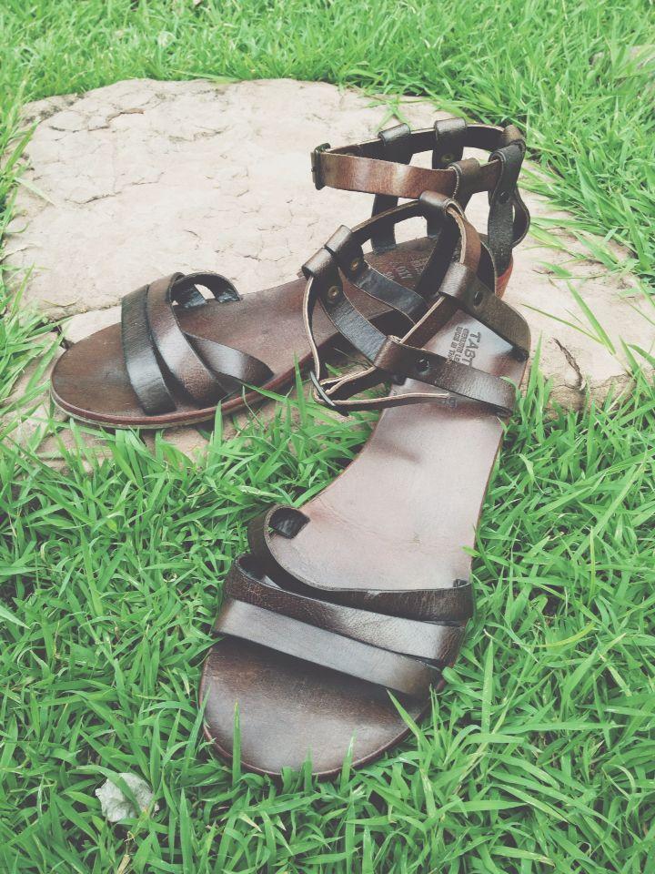 sandal shoes