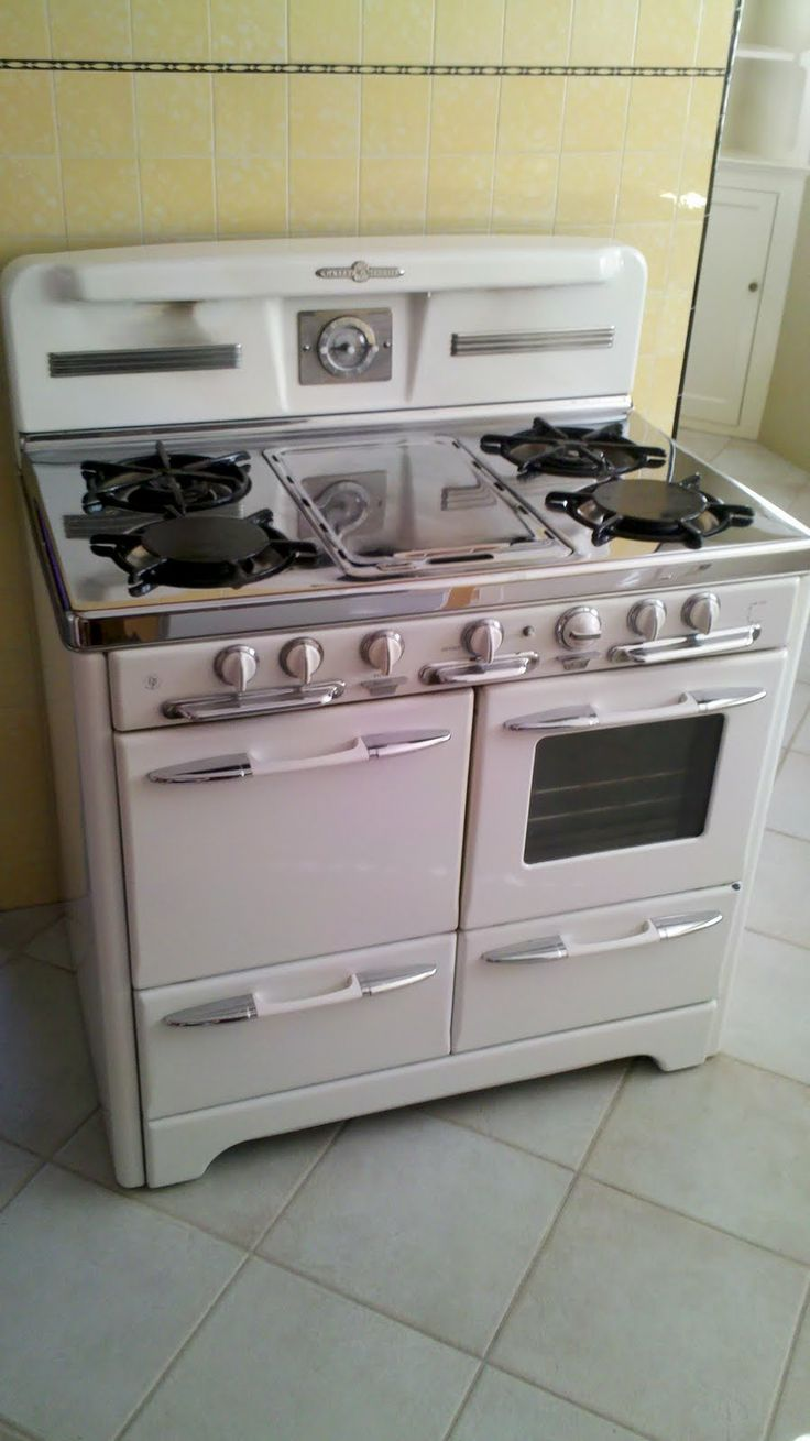 antique vintage gas stoves retro kitchen pinterest