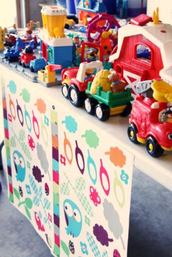 Good ideas for a yard sale. IHeart Organizing: Project Purge: An ORGANIZED Garage Sale