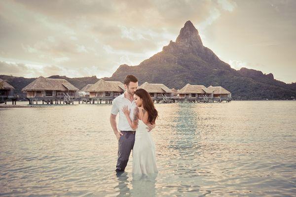 Destination Wedding at InterContinental Bora Bora Resort & Thalasso Spa by Helene Havard Photography - Full Post: http://www.brideswithoutborders.com/inspiration/dream-destination-wedding-in-bora-bora-by-helene-havard-photography
